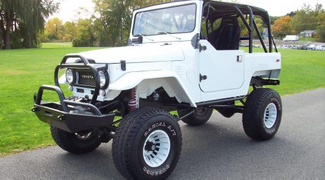 SOLD 1975 Toyota FJ40 Custom
